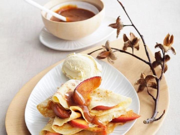 Bánh táo Crepe